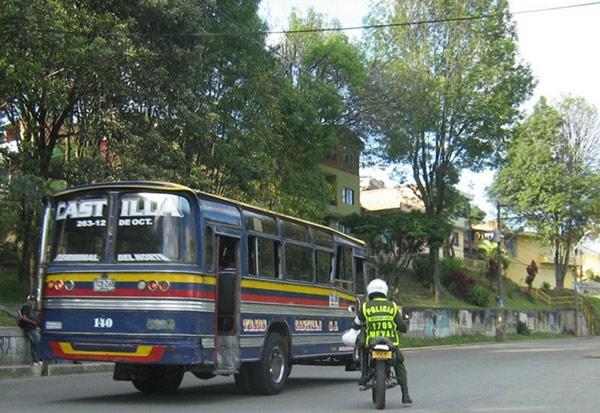 Extorsión más allá de un mero fenómeno delictual. A propósito de dos investigaciones recientes en Medellín